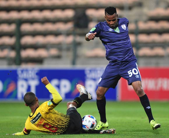 Nhlanhla Vilakazi of Free State Stars is tackled by Tyren Arendse of Santos during the 2016 Nedbank Cup last 16 game between Santos and Free State Stars at Athlone Stadium, Cape Town on 2 April 2016 ©Ryan Wilkisky/BackpagePix