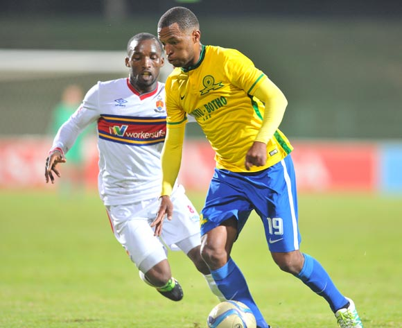 Mzikayise Mashaba of Mamelodi Sundowns challenged by Vuyisile Ntombayithethi of University of Pretoria during the Absa Premiership match between University of Pretoria and Mamelodi Sundowns at the Tuks Stadium in Pretoria, South Africa on May 04, 2016 ©Samuel Shivambu/BackpagePix