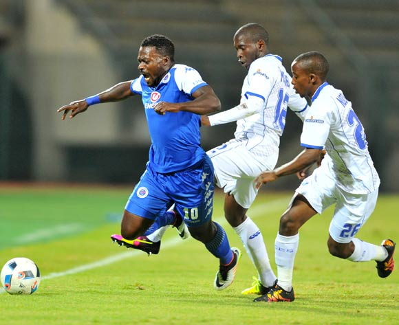 Kingston Nkhatha (l) of Supersport United challenged by Aubrey Modiba (c) and Thabo Nodada (r) of Black Aces during the Absa Premiership match between Supersport United and Black Aces at the Lucas Moripe Stadium in Pretoria, South Africa on May 11, 2016 ©Samuel Shivambu/BackpagePi