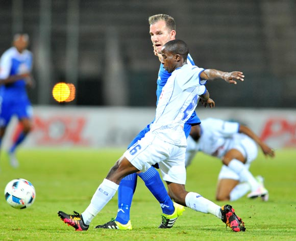 Jeremy Brockie of Supersport United challenged by Thabo Nodada of Black Aces during the Absa Premiership match between Supersport United and Black Aces at the Lucas Moripe Stadium in Pretoria, South Africa on May 11, 2016 ©Samuel Shivambu/BackpagePix