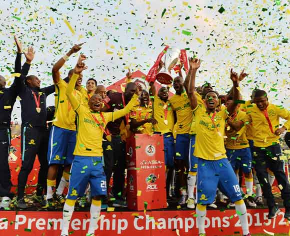 Players lift trophy as Sundowns crowned Absa Premiership Champions during the 2015/16 Absa Premiership football match between Mamelodi Sundowns and Platinum Stars at Lucas Moripe Stadium, Pretoria on 21 May 2016 ©Gavin Barker/BackpagePix