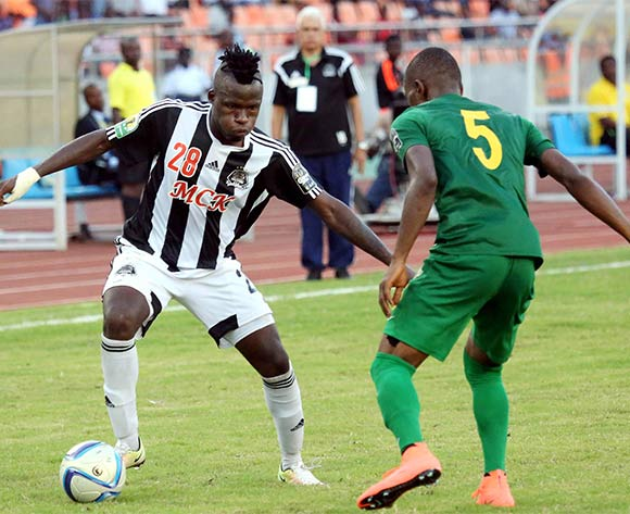 Thomas Ulimwengu of TP Mazembe (l) challenged by Kelvin Yondani of Young African (r) during the CAF Confederation Cup football match between Young Africans and TP Mazembe at the National Stadium in Dar es Salaam, Tanzania on 28 June 2016 ©BackpagePix