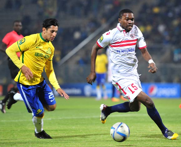 Maroof Yusuf of Zamalek challenged by Leonardo Castro of Mamelodi Sundowns
