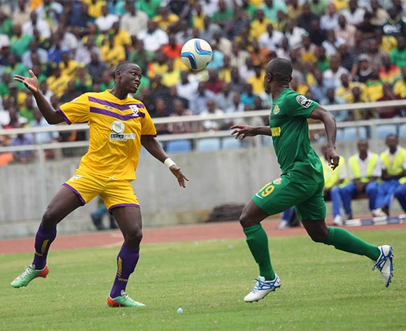 Daniel Amoah of Medeama (l) and Amisi Tambwe of Yanga (r) during the CAF Confederation Cup football match between Young Africans and Medeama at the National Stadium in Dar es Salaam, Tanzania on 16 July 2016 ©BackpagePix