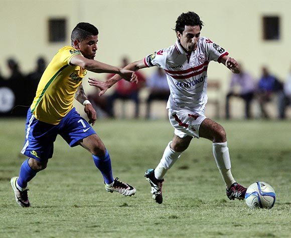 epa05429796 Zamalek's player Ayman Hefny (R) in action against Sundowns player Keagan Dolly (L) during the African Champions League (CAF) group stage soccer match between Zamalek's and Sundowns at Petro Sport stadium in Cairo, Egypt, 17 July 2016  EPA/KHALED ELFIQI