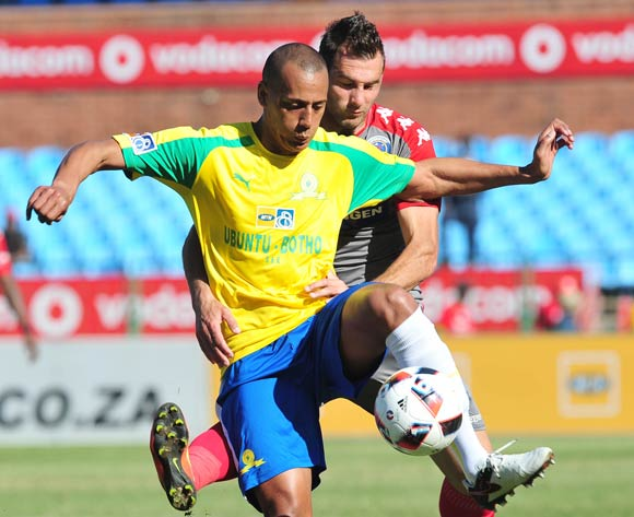 Wayne Arendse of Mamelodi Sundowns challenged by Bradley Grobler of Supersport United during the MTN8 Quarter Final football match between Mamelodi Sundowns and Supersport United at the Loftus Stadium in Pretoria, South Africa on August 28, 2016 ©Samuel Shivambu/BackpagePix