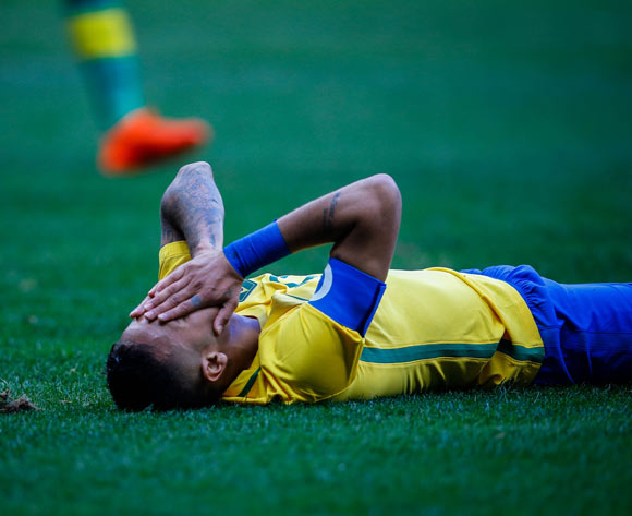 epa05455591 Neymar of Brazil reacts during the men's preliminary round match between Brazil and South Africa for the Rio 2016 Olympic Games Soccer tournament at Mane Garrincha stadium in Brasilia, Brazil, 04 August 2016.  EPA/FERNANDO BIZERRA JR.
