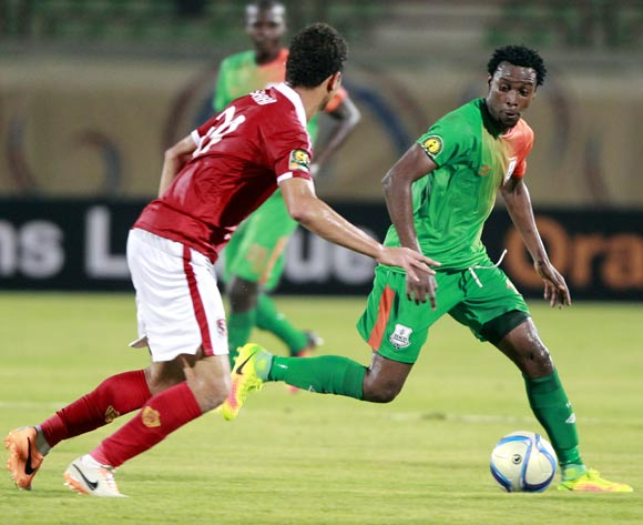 epa05478571 Al Ahly's player Saad Samir (L) in action  against Zesco United player John Ching'andu (R) during the African Champions League (CAF) group stage match between Al Ahly and  Zesco United at military Stadium in Suez, Egypt, 12 August 2016.  EPA/KHALED ELFIQI