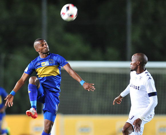 Bongolethu Jayiya of Cape Town City challenged by Sfiso Hlanti of Bidvest Wits during the 2016 MTN 8 Semi Final match between Bidvest Wits and Cape Town City at the Bidvest Stadium in Johannesburg, South Africa on September 10, 2016 ©Samuel Shivambu/BackpagePix