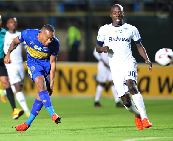 Lehlohonolo Majoro of Cape Town City challenged by Ben Mtshwari of Bidvest Wits during the 2016 MTN 8 Semi Final match between Bidvest Wits and Cape Town City at the Bidvest Stadium in Johannesburg, South Africa on September 10, 2016 ©Samuel Shivambu/BackpagePix