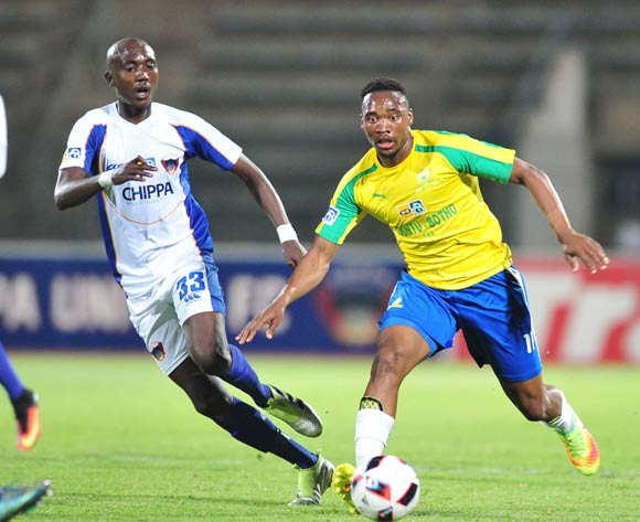 Sibusiso Vilakazi of Mamelodi Sundowns Xolani Mdaki of Chippa United during the 2016 MTN8 Semifinal second leg football match between Mamelodi Sundowns and Chippa United at the Lucas Moripe Stadium in Pretoria, South Africa on September 21, 2016 ©Samuel Shivambu/BackpagePix
