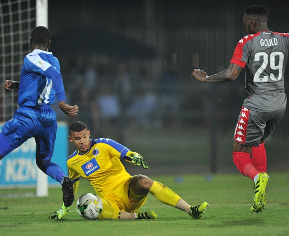 Ronwen Williams of Supersport United challenged by Abia Nale of Maritzburg United during the Absa Premiership 2016/17 match between Maritzburg United and Supersport United at Harry Gwala Stadium, Pietermaritzburg South Africa on 21 September 2016 ©Muzi Ntombela/BackpagePix