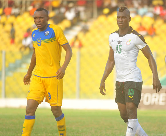 Tuyisenoe Jacques(L) of Rwanda Edwin Gyimah(R) of Ghana during the 2017 African Cup of National  Qualifiers playing on 3rd September 2016 in Accra Ghana between Ghana and Rwanda ©Christian Thompson/BackpagePix