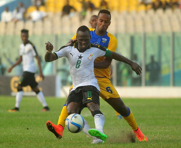 Mukunzi Yannick of Rwanda challenging Agyemang Badu of Ghana during the 2017 African Cup of National  Qualifiers playing on 3rd September 2016 in Accra Ghana between Ghana and Rwanda ©Christian Thompson/BackpagePix