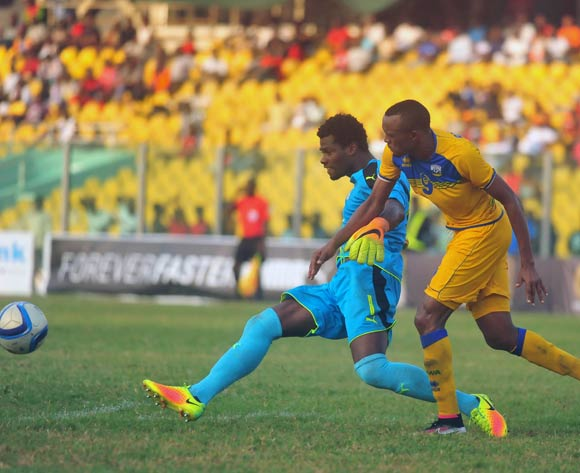 Tuyisenoe Jacques of Rwanda challenging Razak Braimah of Ghana during the 2017 African Cup of National  Qualifiers playing on 3rd September 2016 in Accra Ghana between Ghana and Rwanda ©Christian Thompson/BackpagePix