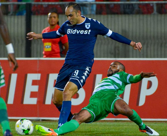 Eleazar Rodgers of Bidvest Wits and Wandisile Letlabika of Bloemfontein Celtic during the Absa Premiership match between Bloemfontein Celtic and Bidvest Wits on 29 October 2016 at Dr Molemela Stadium, Bloemfontein ©Frikkie Kapp /BackpagePix