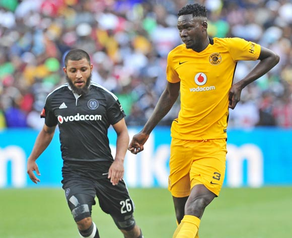 Eric Mathoho of Kaizer Chiefs gets his pass away as he is challenged by Riyaad Norodien of Orlando Pirates during the Absa Premiership 2016/17 game between Orlando Pirates and Kaizer Chiefs at FNB Stadium, Johannesburg on 29 October 2016 © Ryan Wilkisky/BackpagePix