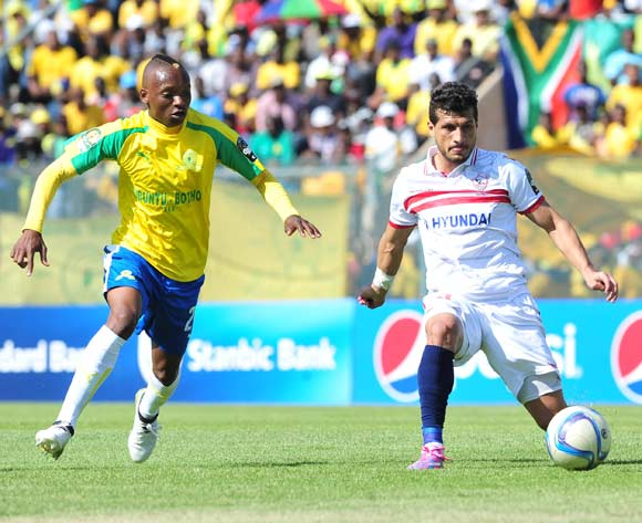 Tarek Hamed of Zamalek challenged by Khama Billiat of Mamelodi Sundowns during the 2016 Caf Champions League Final match between Mamelodi Sundowns and Zamalek at Lucas Moripe Stadium, Pretoria on 15 October 2016©Samuel Shivambu/Backpagepix