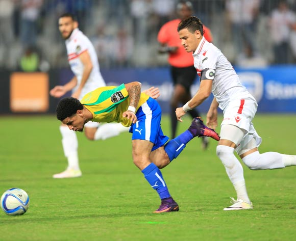 Keagan Dolly of Mamelodi Sundowns evades tackle from Ahmed Tawfik of Zamalek during the 2016 CAF Champions League Final second leg between Zamalek and Sundowns at the Borg El Arab Stadium in Alexandria, Egypt on 23 October 2016 ©Gavin Barker/BackpagePix