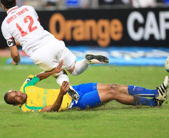 Tiyani Mabunda of Mamelodi Sundowns fouls Ahmed Tawfik of Zamalek  during the 2016 CAF Champions League Final second leg between Zamalek and Sundowns at the Borg El Arab Stadium in Alexandria, Egypt on 23 October 2016 ©Gavin Barker/BackpagePix