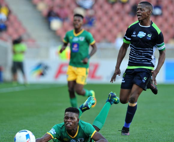 Nyasha Munetsi of Baroka FC challenged by Ndumiso Mabena of Platinum Stars during the Telkom Knockout Last 16 match between Baroka FC and Platinum Stars at the Peter Mokaba Stadium in Polokwane on the 23 October 2016©Samuel Shivambu/Backpagepix