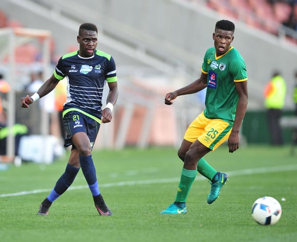 Siyabonga Zulu of Platinum Stars challenged by Nyasha Munetsi Baroka FC during the Telkom Knockout Last 16 match between Baroka FC and Platinum Stars at the Peter Mokaba Stadium in Polokwane on the 23 October 2016©Samuel Shivambu/Backpagepix