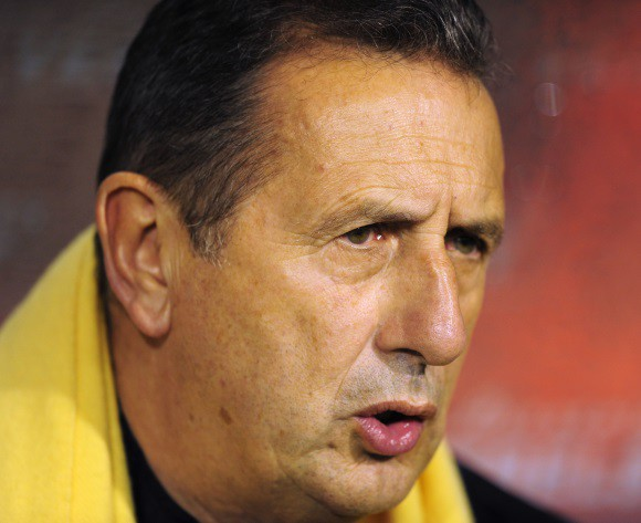 Leekens returns as Algeria coach, flies in to Algiers today