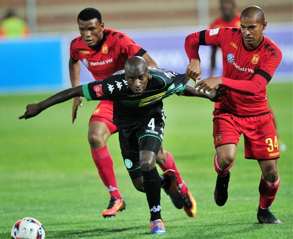 Mothobi Mvala and Rudi Isaacs of Highlands Park challenges Musa Nyatama of Bloemfontein Celtic during the Absa Premiership 2016/17 game between Highlands Park and Bloemfontein Celtic at Makhulong Stadium, Tembisa on 30 November 2016 © Aubrey Kgakatsi/BackpagePix