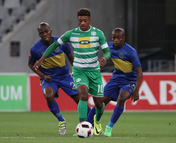 Dumisani Zuma of Bloemfontein Celtic gets away from Mpho Matsi of Cape Town City FC (l) and Thabo Nodada of Cape Town City FC during the Absa Premiership 2016/17 football match between Cape Town City FC and Bloemfontein Celtic at Cape Town Stadium, Cape Town on 2 November 2016 ©Chris Ricco/BackpagePix