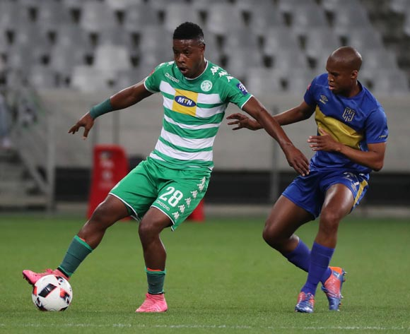 Moeketsi Mvula of Bloemfontein Celtic evades challenge from Tshepo Gumede of Cape Town City FC during the Absa Premiership 2016/17 football match between Cape Town City FC and Bloemfontein Celtic at Cape Town Stadium, Cape Town on 2 November 2016 ©Chris Ricco/BackpagePix