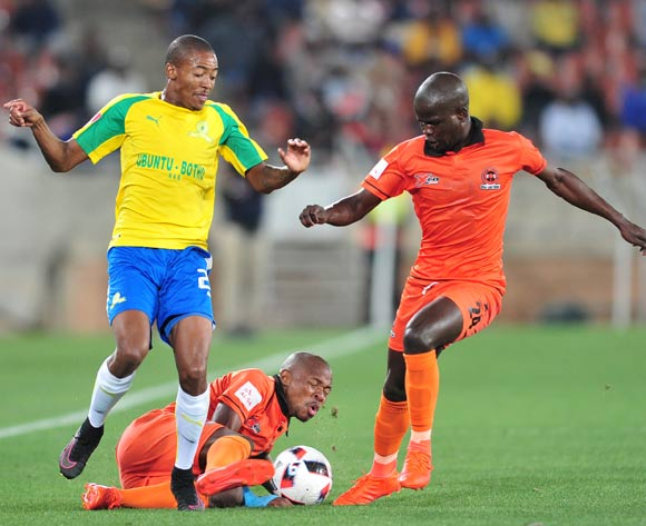 Puleng Tlolane (c) and Simphiwe Hlungwane (r) of Polokwane City challenged by Thapelo Morena (l) of Mamelodi Sundowns during the Absa Premiership match between Polokwane City and Mamelodi Sundowns at Peter Mokab Stadium, November on the 02 November 2016 © Samuel Shivambu/BackpagePix