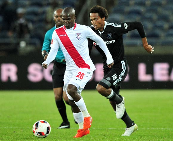 Sthembiso Dlamini of Free State Stars plus away from Issa Sarr of Orlando Pirates during the Absa Premiership 2016/17 game between Orlando Pirates and Free State Stars at Orlando Stadium, Johannesburg on 19 November 2016 © Ryan Wilkisky/BackpagePix