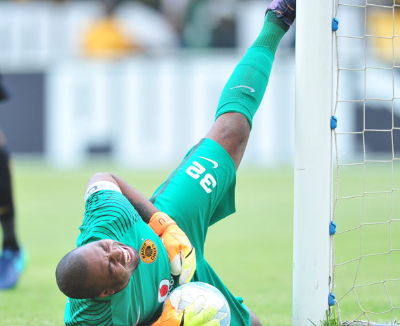 Itumeleng Khune of Kaizer Chiefs heat the goalpost during the Absa Premiership match between Mamelodi Sundowns and Kaizer Chiefs at the Loftus Stadium in Pretoria on the 18 November 2016©Samuel Shivambu/Backpagepix
