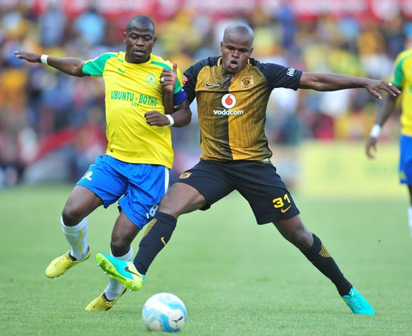 Willard Katsande of Kaizer Chiefs  challenged by Hlompho Kekana of Mamelodi Sundowns