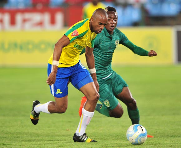 Tiyani Mabunda of Mamelodi Sundowns takes on Kudakwashe Mahachi of Golden Arrows during the Absa Premiership 2016/17 game between Mamelodi Sundowns and Golden Arrows at Loftus Stadium, Pretoria on 23 November 2016 © Ryan Wilkisky/BackpagePix