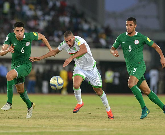 Islam SLIMANI of Algeria Challenged by Leon BALOGUN (L) and William EKONG(R) of Nigeria during the Russia 2018 World Cup Qualifier match between Nigeria vs Algeria on November, 12th 2016 at Godswill Akpabio Stadium ©Kabiru Abubakar//Backpagepix