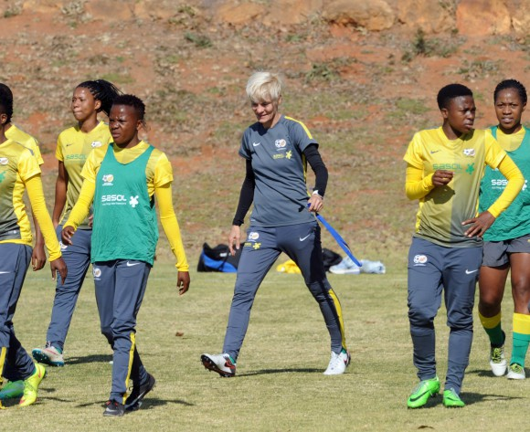 Pauw nominated for 2016 FIFA Women's Coach