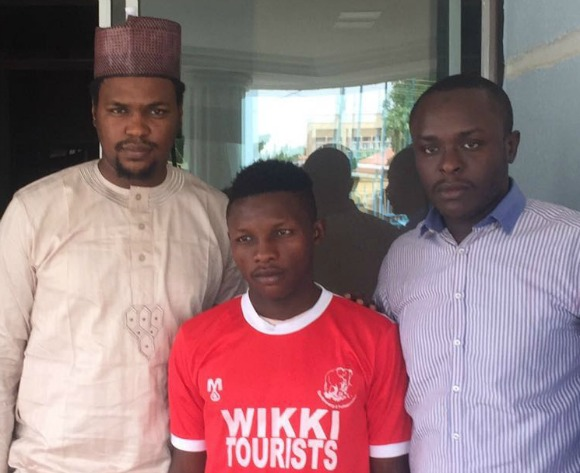 DONE DEAL: Richard Jonathan joins Wikki Tourists