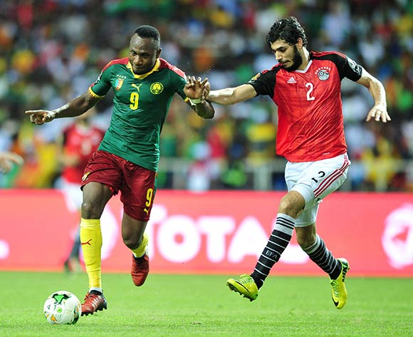 Ahmed Hassan Kouka (L) of Cameroon challenged by Ali Gabr (R) of Egypt during the 2017 Africa Cup of Nations final match between Egypt and Cameroon at the Libreville in Gabon on 05 February 2017.  EPA/Samuel Shivambu  EPA/Samuel Shivambu