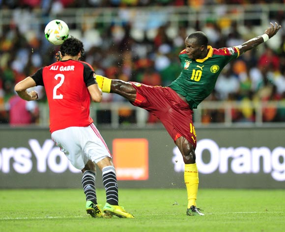 Vincent Aboubakar of Cameroon dribbling pass Ali Gabr of Egypt and score a goal during the 2017 Africa Cup of Nations Finals Afcon Final match between Egypt and Cameroon at the Libreville in Gabon on 5 February 2017 ©Samuel Shivambu/BackpagePix