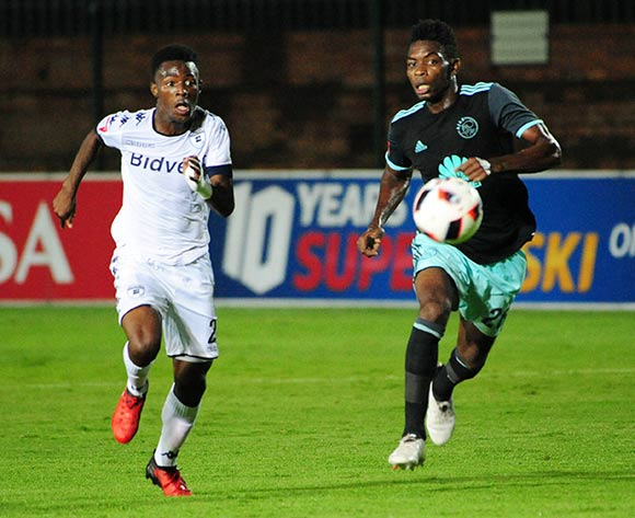 Phakamani Mahlambi of Bidvest Wits challenged by Lawrence Lartey of Ajax Cape Town during the Absa Premiership 2016/17 match between Bidvest Wits and Ajax Cape Town at Bidvest Stadium on 07 February 2017 ©Aubrey Kgakatsi/BackpagePix