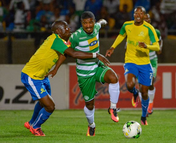 Lyle Lakay of Bloemfontein Celtic and Hlompho Kekana of Mamelodi Sundowns during the Absa Premiership match between Bloemfontein Celtic and Mamelodi Sundowns on 8 February 2017 at Dr Molemela Stadium, Bloemfontein ©Frikkie Kapp /BackpagePix