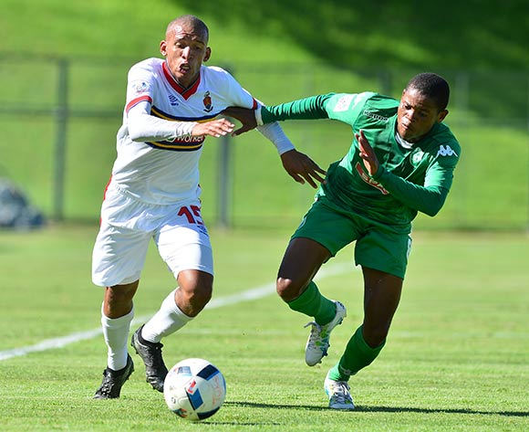 Jessie Jackson of University of challenged by Lungelo Dlamini of AmamZulu during the National First Division 2016/17 match between University of Pretoria and AmaZulu at Tuks Stadium, Johannesburg South Africa on 11 February 2017 ©Samuel Shivambu/BackpagePix