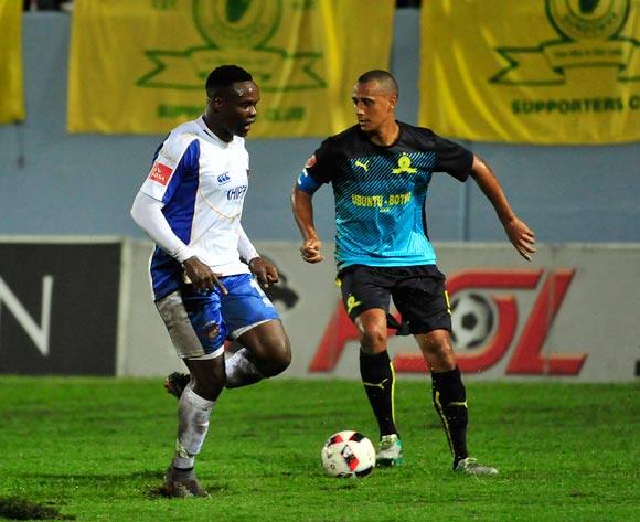 Rhulani Manzini of Chippa United and Wayne Arendse, Captain of Mamelodi Sundowns during the Absa Premiership 2016/17 game between Chippa United and Mamelodi Sundowns Sisa Dukashe Stadium, East London on 14 February 2017 © Deryck Foster/BackpagePix