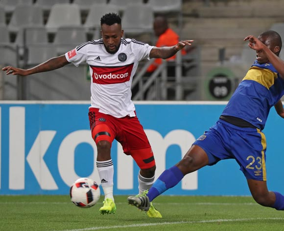 Mpho Makola of Orlando Pirates evades challenge from Mpho Matsi of Cape Town City FC during the Absa Premiership 2016/17 football match between Cape Town City FC and Orlando Pirates at Cape Town Stadium, Cape Town on 18 February 2017 ©Chris Ricco/BackpagePix