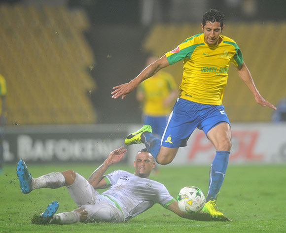 Leonardo Castro of Mamelodi Sundowns tackled by Ryan De Jongh of Platinum Stars during the Absa Premiership 2016/17 match between Platinum Stars and Mamelodi Sundowns at Royal Bafokeng Stadium, Rusternburg South Africa on 21 February 2017 ©Muzi Ntombela/BackpagePix