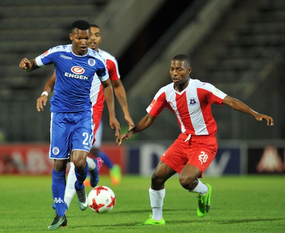 Mandla Masango of Supersport United challenged by Bandile Shandu of Maritzburg United during the Absa Premiership 2016/17 match between Supersport United and Maritzburg United at Lucas Moripe Stadium, Pretoria  South Africa on 22 February 2017 ©Muzi Ntombela/BackpagePix