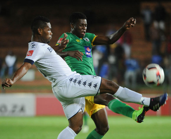 Thulani Hlatshwayo of Bidvest Wits challenges Marshall Munetsi of Baroka FC  during the Absa Premiership match between Bidvest Wits and Baroka FC on the 22 February 2017 at Bidvest Wits Stadium © Sydney Mahlangu/BackpagePix