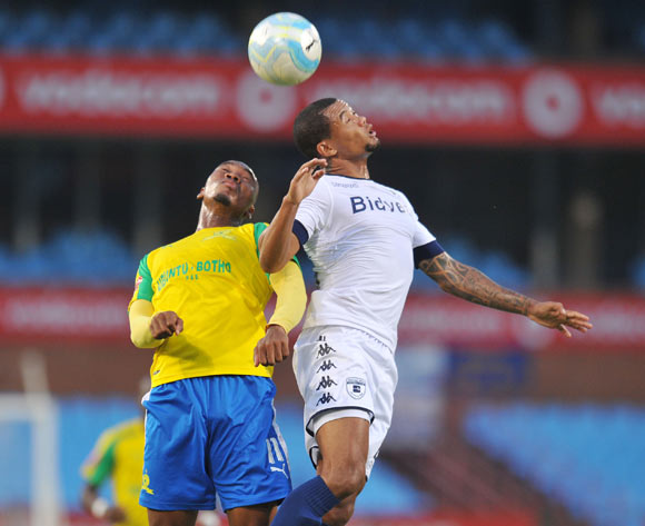 Sibusiso Vilakazi of Mamelodi Sundowns challenged by Granwald Scott  of Bidvest Wits during the Absa Premiership 2016/17 match between Mamelodi Sundowns and Bidvest Wits at Loftus Stadium, Pretoria  South Africa on 25 February 2017 ©Muzi Ntombela/BackpagePix
