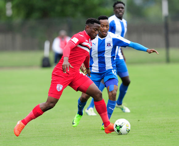 Lebohang Maboe of Maritzburg United cannot stop Moeketsi Sekola from Free State Stars FC during the Absa Premiership 2016/17 game between Maritzburg United and Free State Stars at Harry  Gwala Stadium, Pietermaritzburg on 26 February 2017 © Gerhard Duraan/BackpagePix